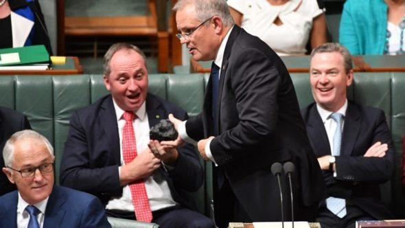 IEA climate scenarios make mockery of Australia's defence of Adani coal : RenewEconomy